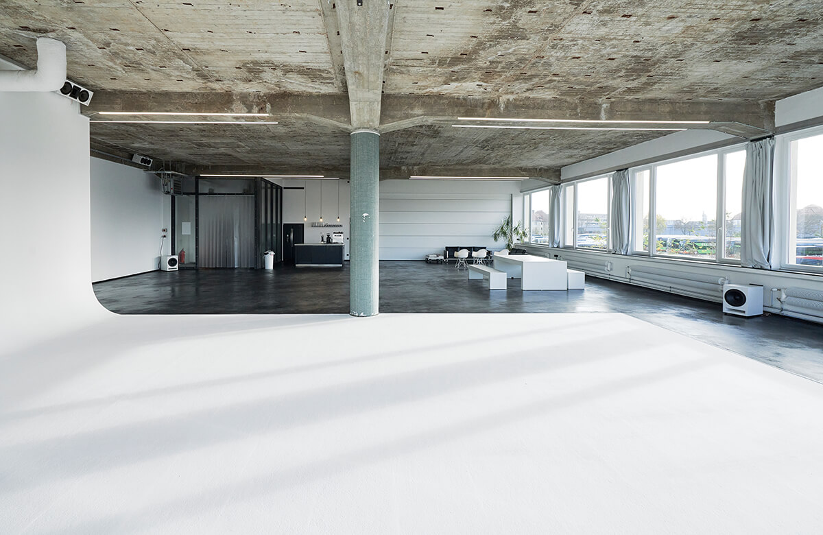 STUDIO 1 - raw studios. 280m² daylight studio with 4.1m high ceilings