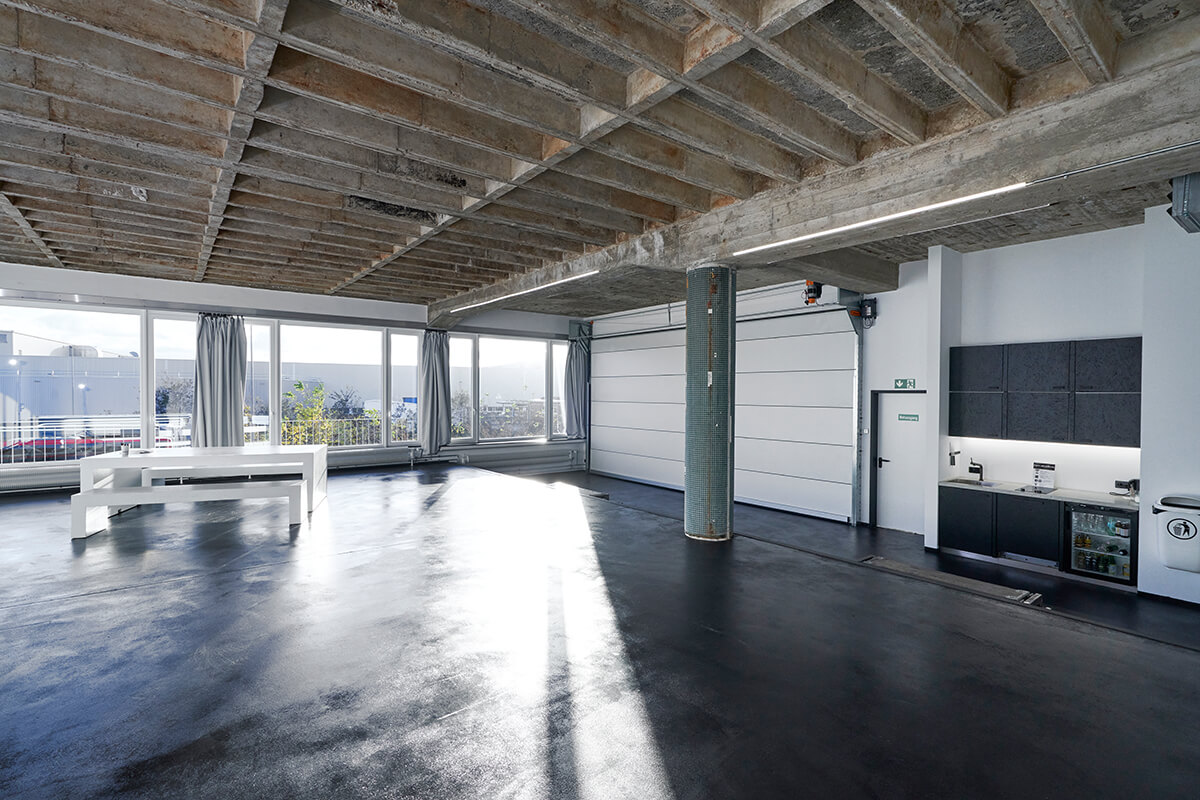 STUDIO 2 - raw studios. 144m² daylight studio